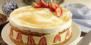 White Chocolate Mousse and Strawberry Cake